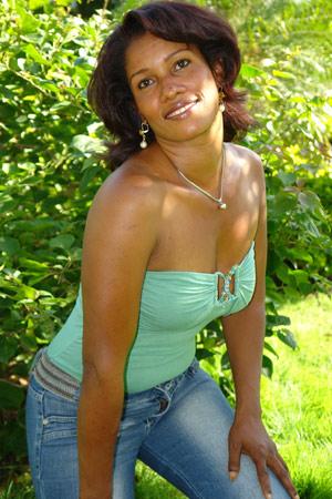 Chiffre Nr. 0453 - Raquel R. ist 30 Jahre
