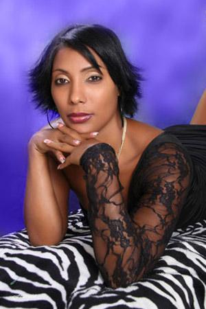 Chiffre Nr. 0483 - Brunilda A. ist 26 Jahre
